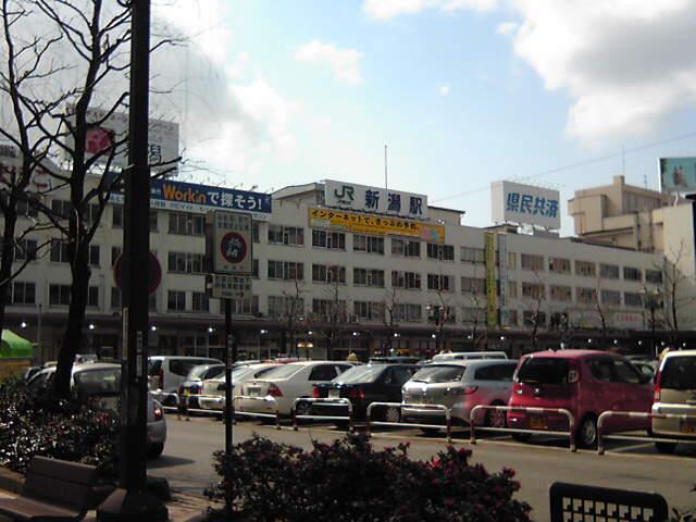 やっぱり県庁所在地の駅はどこも似たような感じだよね