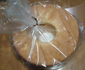手作りのシフォンケーキ