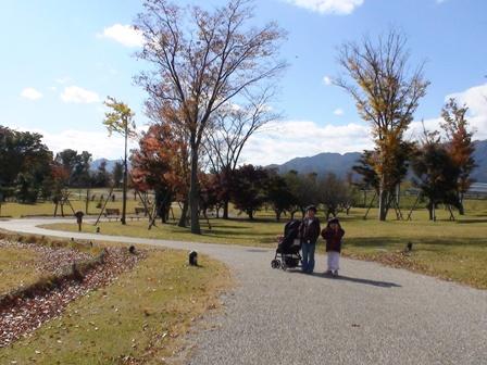 秋の渦巻き公園