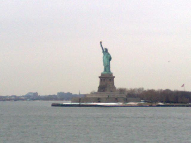 Ferryから自由の女神像