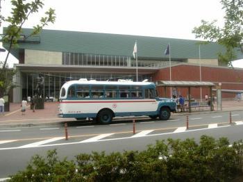 ボンネットバス-2