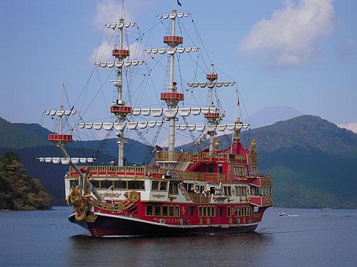 海賊船で芦ノ湖遊覧