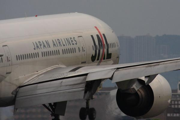 JAL B777-246 JAL131@千里川土手(by 40D with SIGMA300/2.8EX+APO TC2x)