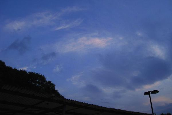 今日の退社時の空(by IXY DIGITAL 910IS)