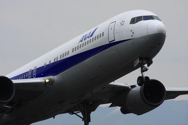 ANA B767-381 NH28@伊丹スカイパーク(by 40D with SIGMA300/2.8EX+APO TC2x)