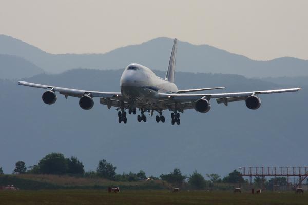 ANA B747-481D ANA671@広島空港ターミナル対面ポイント(by 40D with SIGMA300/2.8EX+APO TC1.4x)