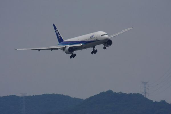 ANA B777-381 ANA33@リサイクルセンター周辺(by 40D with SIGMA300/2.8EX+APO TC2x)
