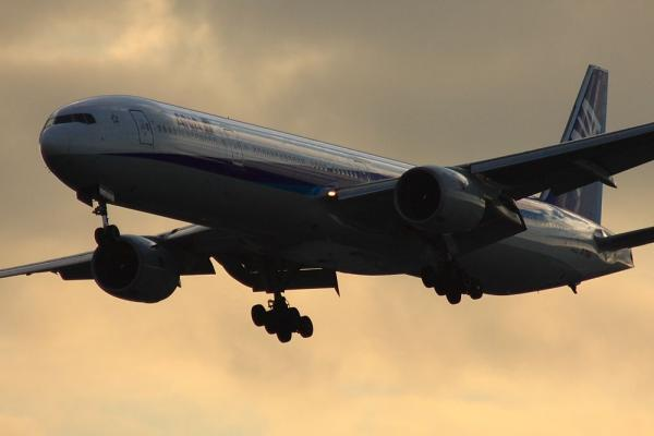ANA B777-381 ANA35@池田側猪名川土手(by 40D with SIGMA300/2.8EX+APO TC2x)