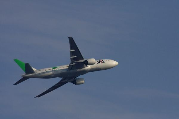 JAL B777-246 JAL126@雲雀丘(by 40D with SIGMA300/2.8EX+APO TC2x)