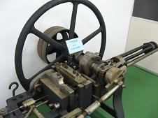 古い製釘機