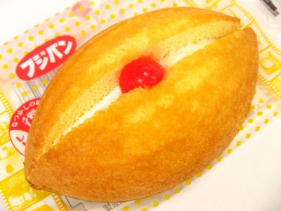 フジパン--アーモンドケーキ。