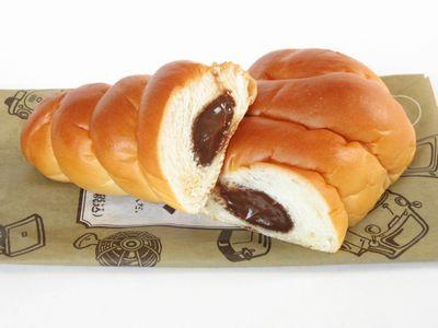 ファミリーマート--チョココロネ~とっておき宣言・山崎製~。