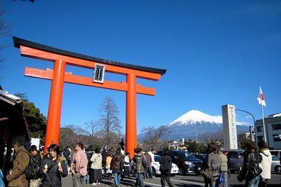 富士山本宮浅間大社へ、行って来ました。