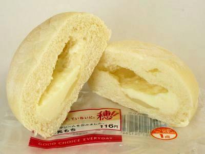 ミミニストップ--白い練乳もち~穂・第一パン~。