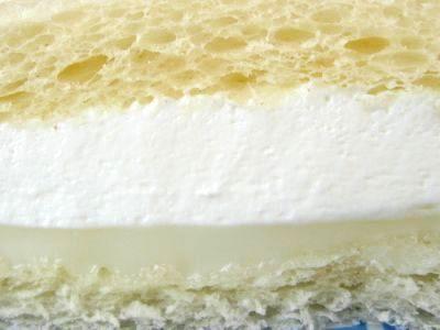 ヤマザキ--ランチパック ダブルミルククリーム。