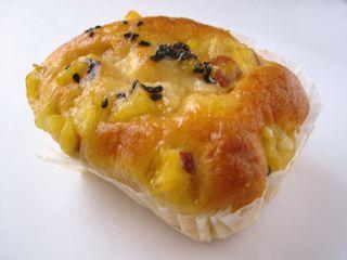 シャンポール--お芋のカップケーキ。