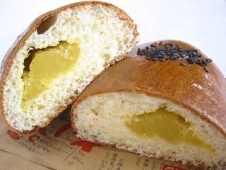 フジパン--焼きいもパン。