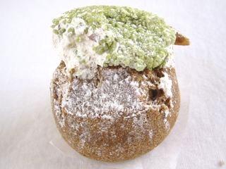 ミスタードーナッツ--春小玉(抹茶)。