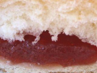 Pasco--つぶいちごジャムパン。