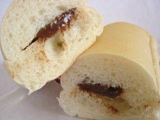ファミリーマート--ふんわりコッペ チョコ(こだわりパン工房・敷島製パン)。