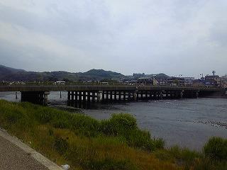 宇治川橋77