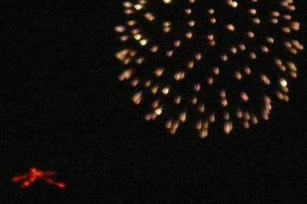 大文字焼と花火