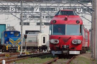7000系パノラマカー 7003F