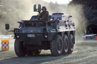 82式指揮通信車(CCV)