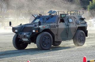 軽装甲機動車(LAV)