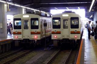 豊橋駅にて119系