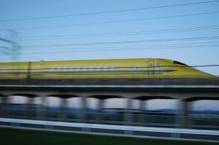 """新幹線電気軌道総合試験車 """"ドクターイエロー"""""""