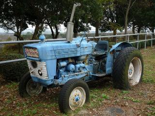 フォードのトラクター(FORD5000?)