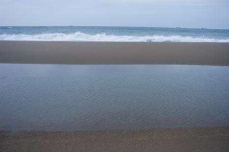 伊良湖の海と人-3