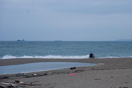 伊良湖の海と人-8