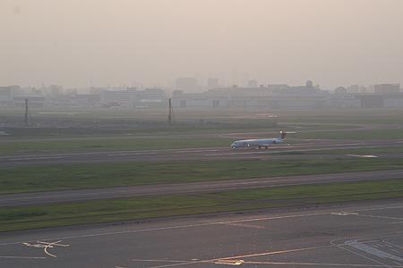 羽田空港の飛行機-4