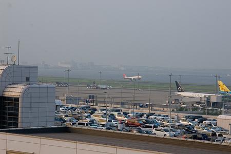 羽田空港の飛行機-6