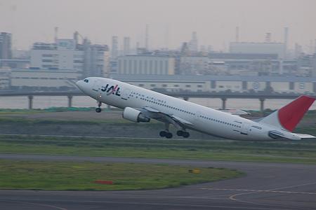 羽田空港の飛行機-7