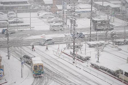雪の名古屋-2