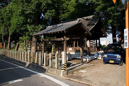 間黒神社拝殿