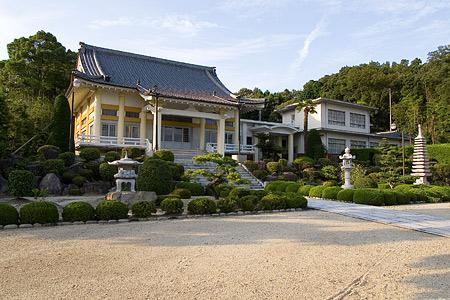 退養寺のお堂