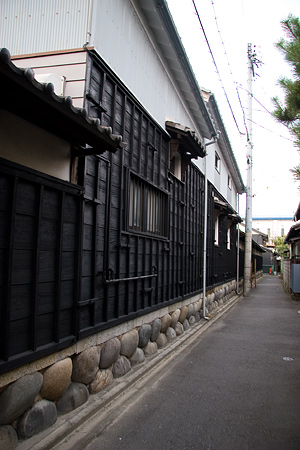 黒板の土蔵造