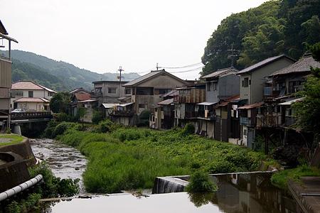 初瀬川沿いの家並み