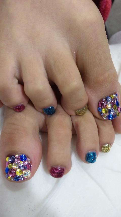 ツナさんの足の指毛
