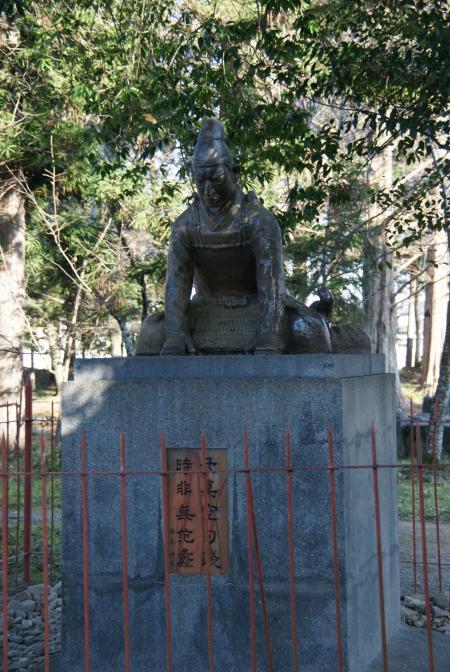児島高徳の像