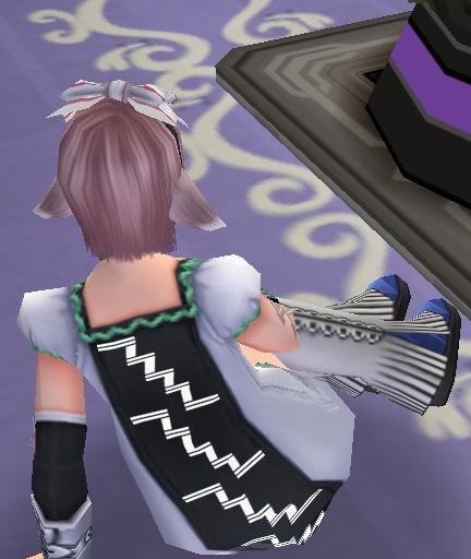 可愛いな~ 服とブーツが。