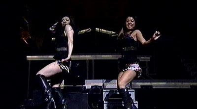 ダンサー隊。