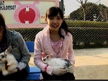 ウサギと中早貴ちゃん。