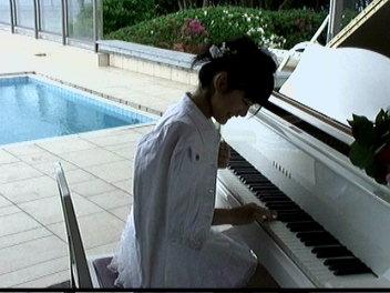 ピアニスト桃ち。