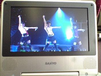 車内DVD。