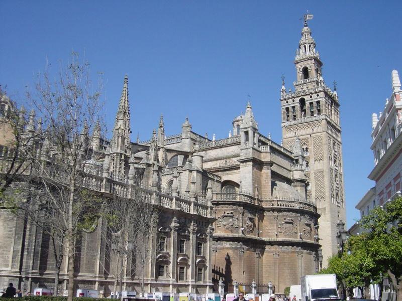 800px-Sevila10セビリア大聖堂